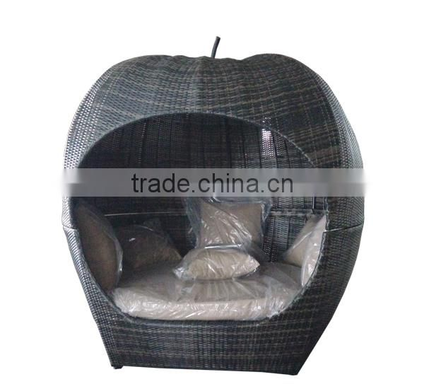 Rattan furniture with high quality apple/ globe daybed