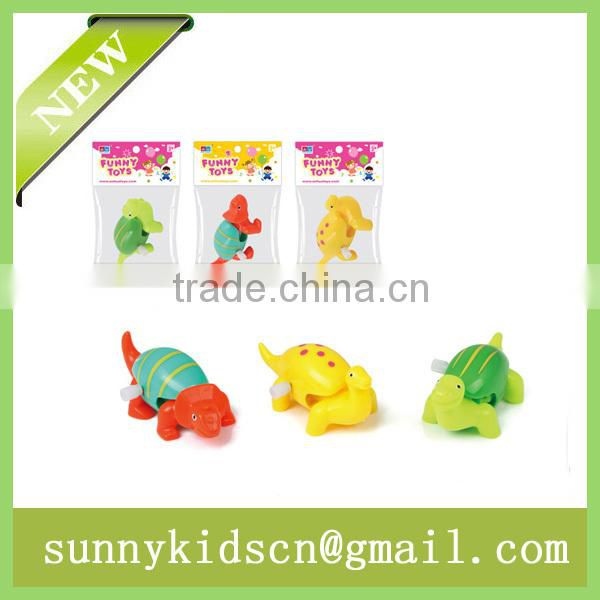 Lovely wind up toy wind up animal capsule toy