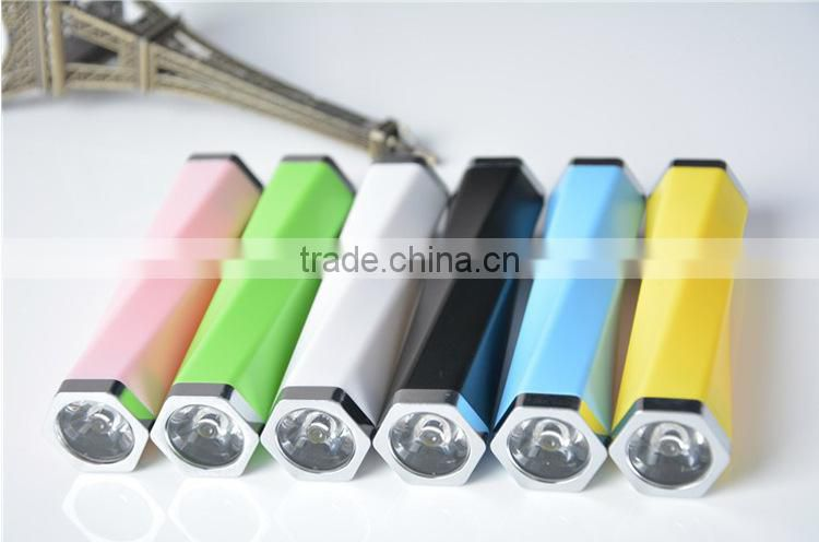 Fashinable strong led torch light portable power bank 2000mah 2200mah 2600mah