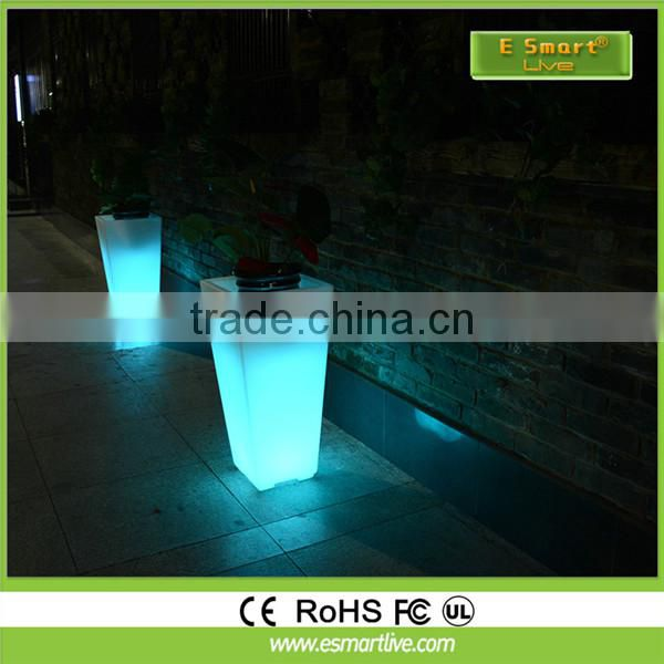 Factory sales RGB Waterproof Rechargeable LED Flower Pot with Light for Planting with Li_battery