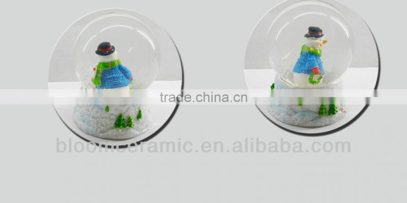 Unique resin water snow globe