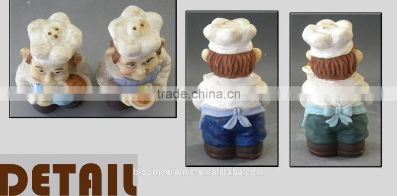 Chef polyresin figures salt and pepper shakers