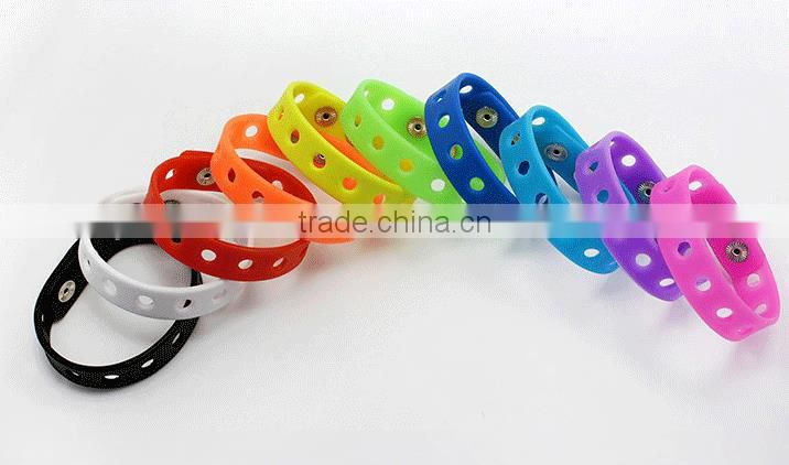 factory outlet cheapest silicone wristband with hole/ silicone bracelet