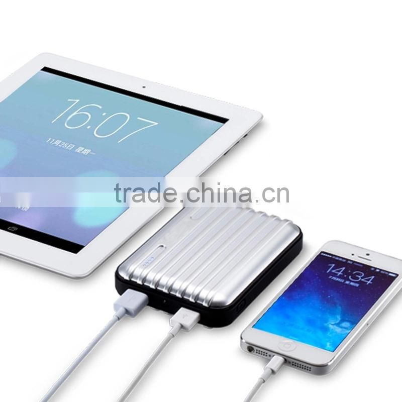 Fashion 2015 Mobile Accessories Universal Power Bank 8800mah with Dual Usb