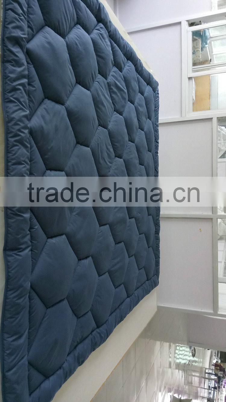 Solid color high quality microfiber quilt new products on china market 2016