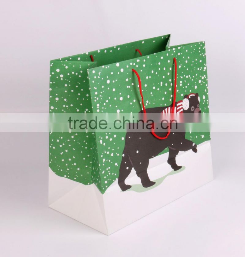 Jumbo 4 color printing bear design 150gsm white kraft paper bag with pp handle