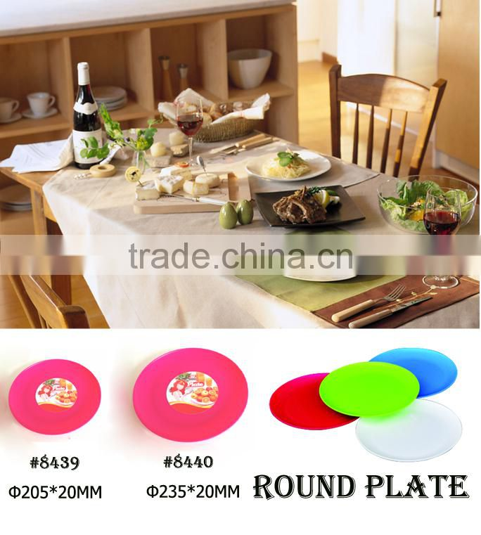 plastic different shapes dinner plates