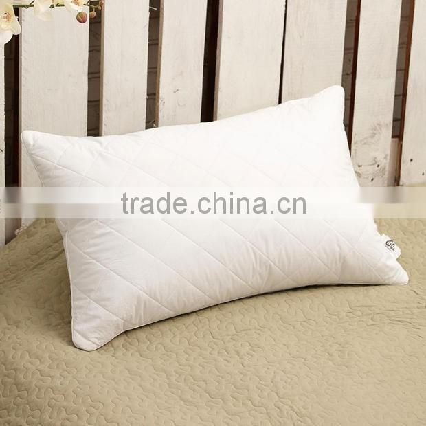 Quilted Polyester Fiber Pillow