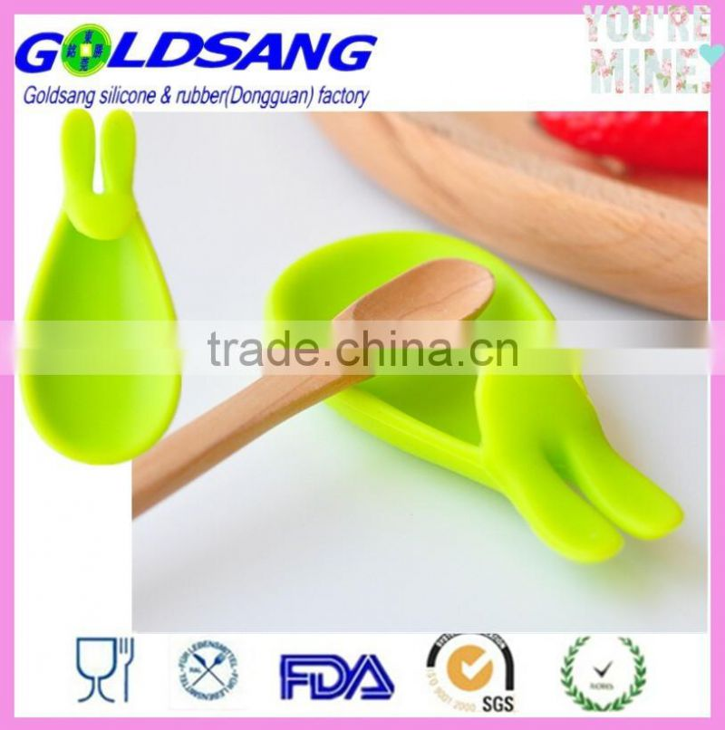 new design heat resistant silicone spoon rest Trivet