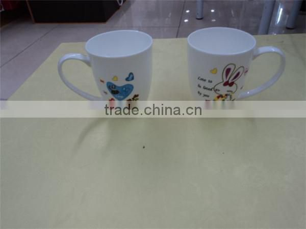 Alibaba china customized glazed ceramic heart shaped tea cup