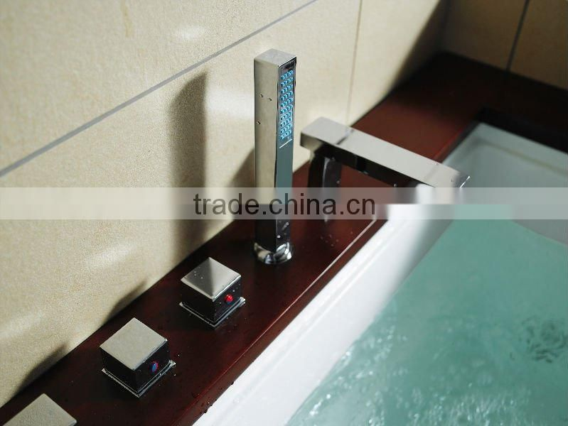 Massage Bathtub with wooden panel