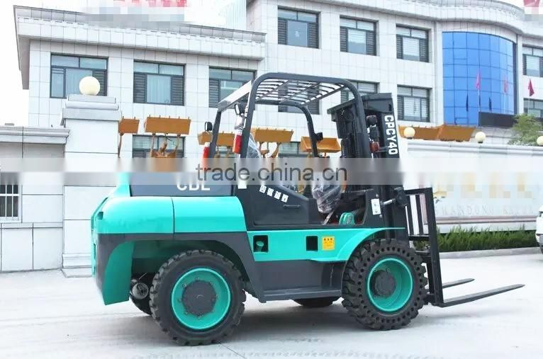 5ton lift capacity forklift with 4 wheel drive and steering