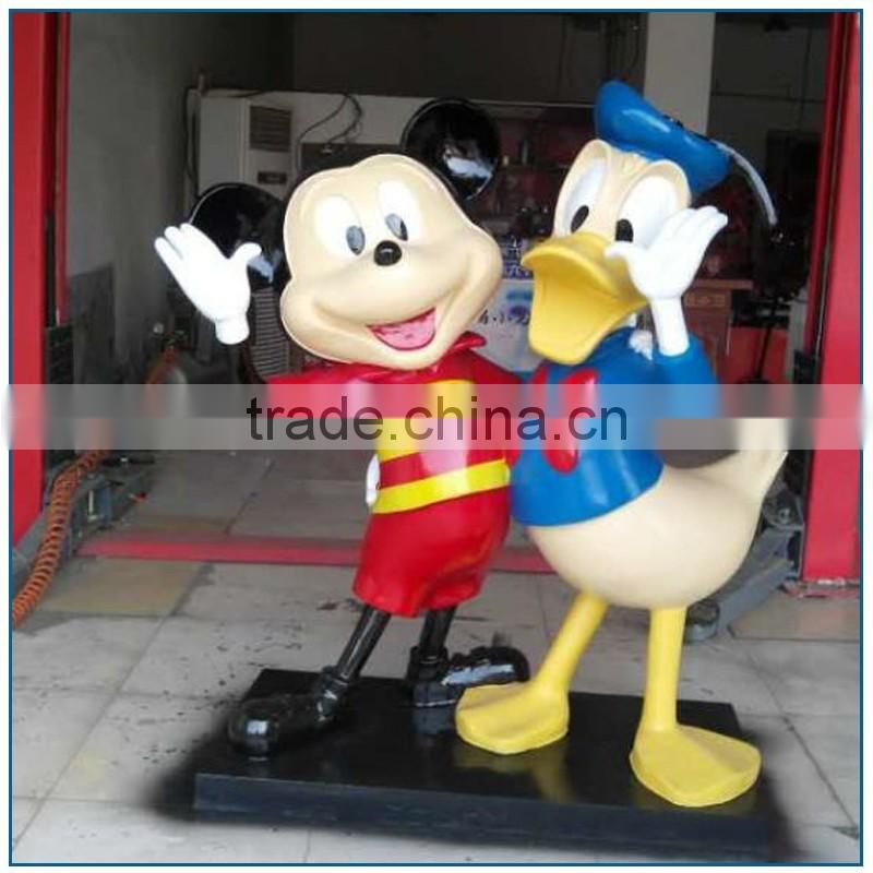 2017 New design fiberglass mickey mouse and donald duck statue