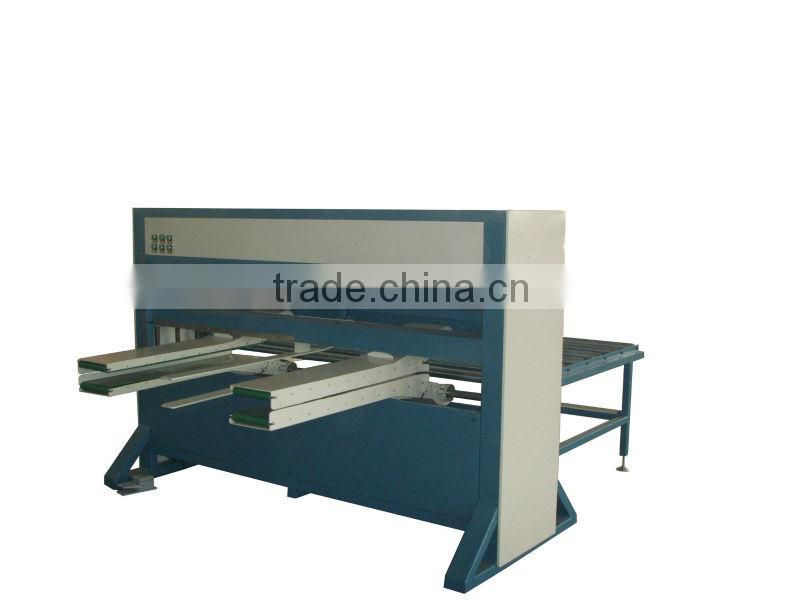 Mattress covering machine