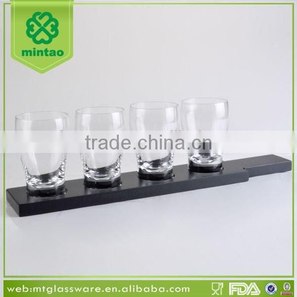 Clear 4 pcs beer glass cup with black wooden rack and plate