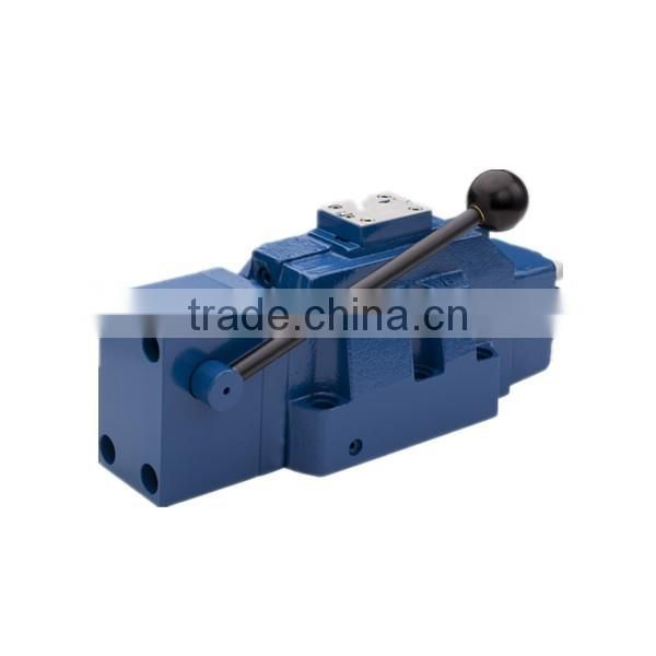 Hydraulic cardboard baler manually valve