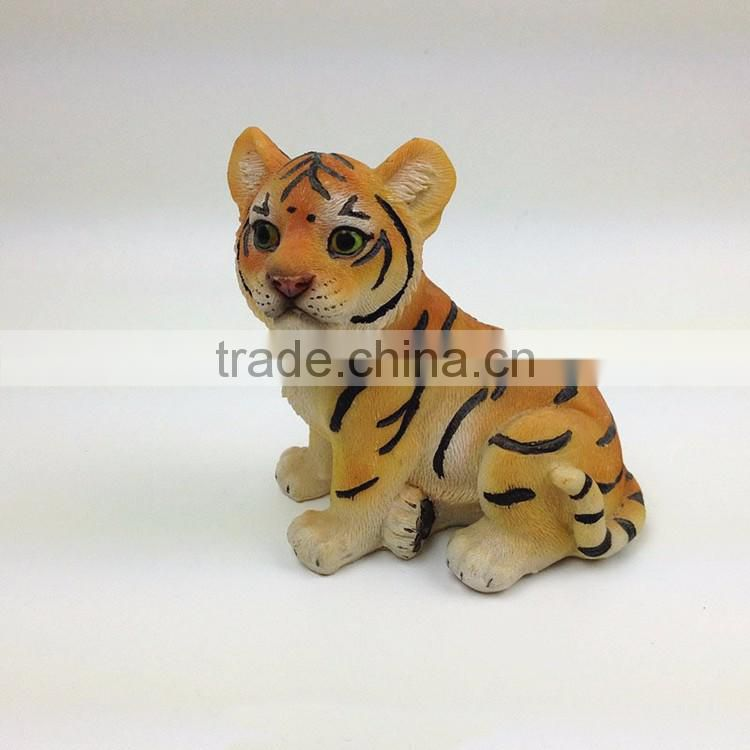 Custom resin baby tiger figurine home decoration