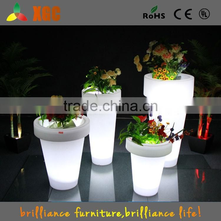 Lighting up decoration LED flower pot for home and outdoor