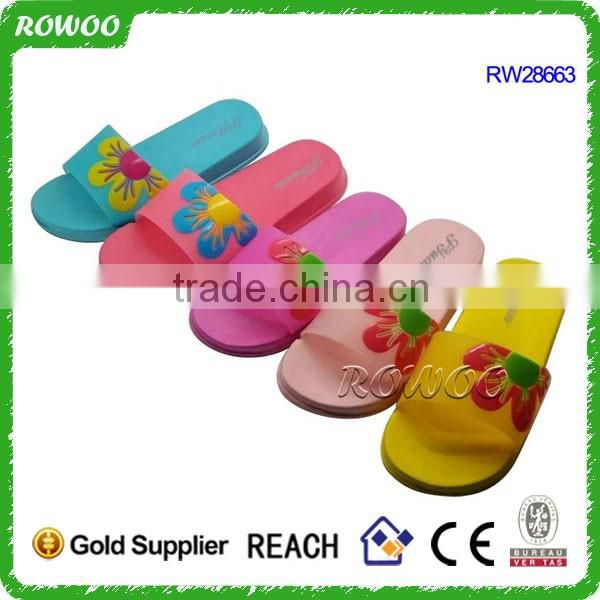 Newest cheap china creative breathable colored Emoji eva clogs kids garden shoes