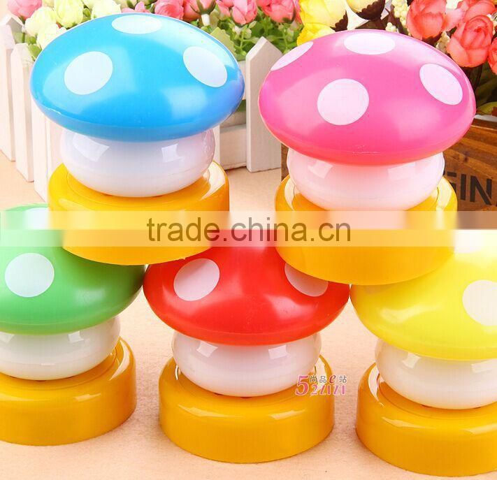 Flashing led light mushroom, flashing light toy electric toy, vinyl pvc light toys