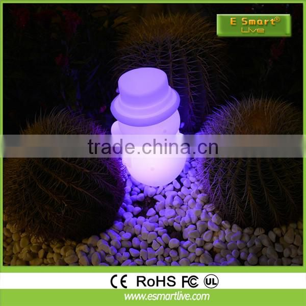 Clear sparking LED Lights Christmas, 2014 New Snowing Christmas Snowman Family with umbrella base with LED lights and tree