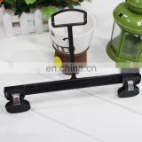 2016 China Wholesaler Top Class Black Plastic Hanger with Clips for Trousers