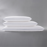 Different Sizes of White Pillows in Stitched with Piping for Hot Sale