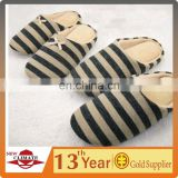 New design fashion cheap price couple slippers