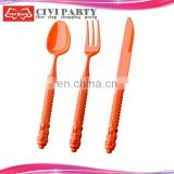 plastic cultery and flatware set