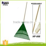 30T plastic leaf rake with long foam grip hardwood handle