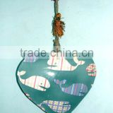 Heart shape fish printed wall hanging decoration