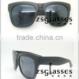 New style of Fashiaon sunglasses Italy Design Sunglasses for men and women CE&FDA