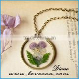 Charming Jewelry Styles Round Shape Real Dried Flower Pendant Necklace