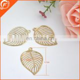 fashion gold color nice brass metal leaf with hole for garment and bag accessories