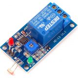 Smart electronic board for wired light sensor