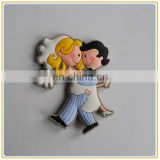 cheap promotional plastic lovers shaped wedding door gifts fridge magnets