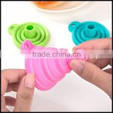 Portable silicone foldable funnel manufacturer/candy color silicone folding hopper for sale/silicone foldable funnel