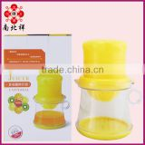 400ML New Design Multifunctional Plastic Manual FruitJuicer with Measuring Cup