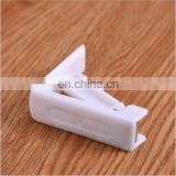 High Quality White Plastic Table Skirt Clips