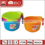 Handly plastic salad bowl