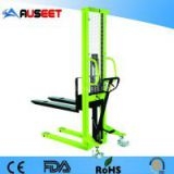 easy controlled pallet hydraulic stacker
