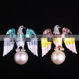 Womens Blue Yellow Oil Drop Eagle White Pearl Bead Elegant Fashion Breastpin Brooch Pin