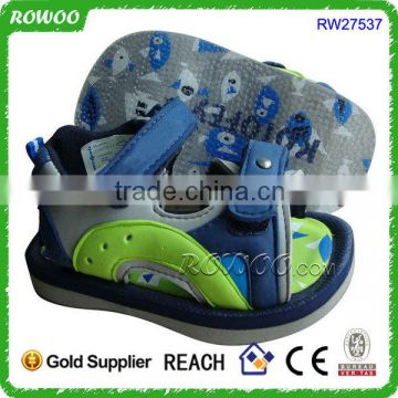 Kid's beach anti-slip sole and cute SGS sandals in china wholesale