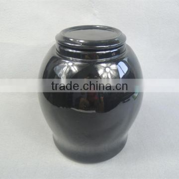 European style cremation urn made of ceramic with gloss for bone ashes