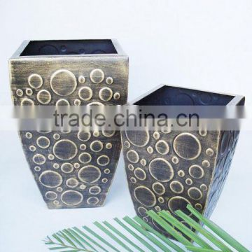 Brushed gold Planters