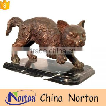 Small cat on the base figurine tabletop decoration NTBA-C007Y