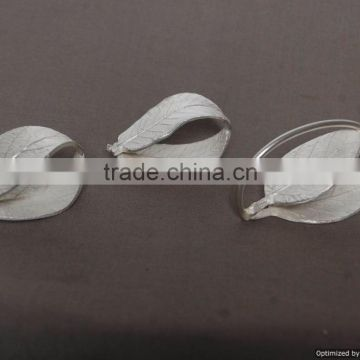 metal leaf shape silver napkin ring for wedding