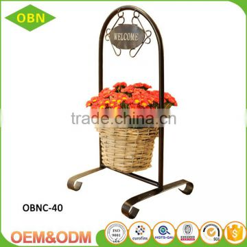 Tabletop wholesale metal frame wicker artificial handmade decorate hanging flower gift basket