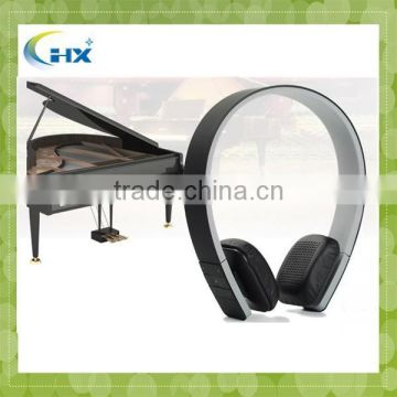 New design support 4 languages sport wireless bluetooth stereo headphone / earphone / headset