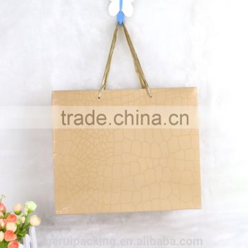 210gsm Classic Crocodile design gift paper bag with spot UV